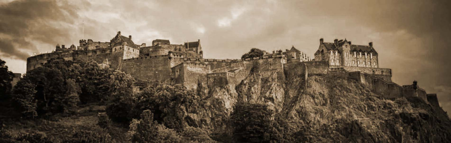 edinburgh-castle-sepia